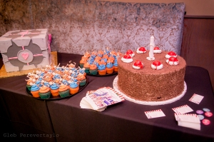 Portal themed cupcakes and cakes from Anna Artuso Pastry
